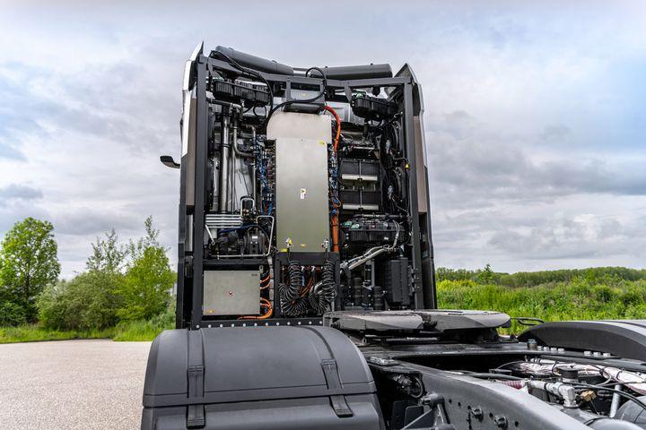 Daimler hydrogen powered truck