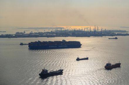 Singapore oil hub status switch
